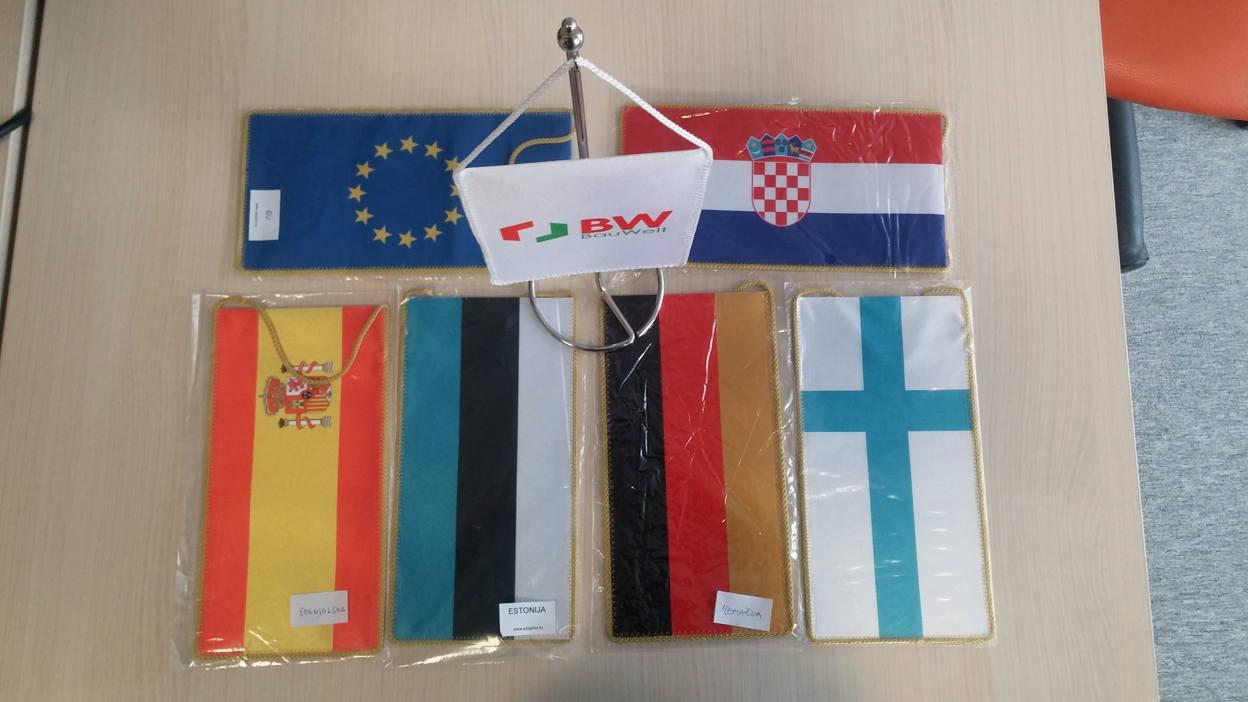 tisak stolnih zastavica