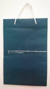 plava papirnata vrečica