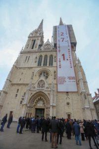 Zagreb katedrala baner