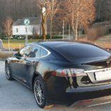Tesla promo stalak