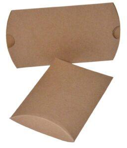smeđa karton. kutijica